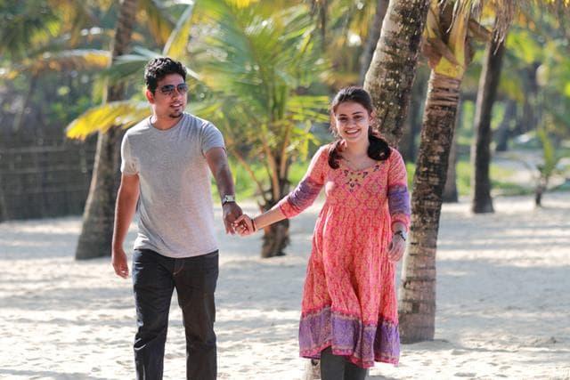 भारत के सबसे खूबसूरत जगह मुन्नार में हनीमून - Munnar And Alleppey Honeymoon Places In India In Hindi