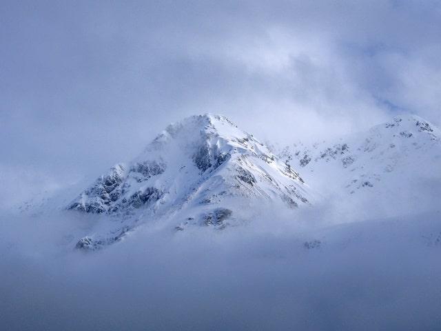 दुनिया में सबसे कम तापमान वेरखोयांस्क, रूस में - Verkhoyansk, Russia Coldest Place In World In Hindi