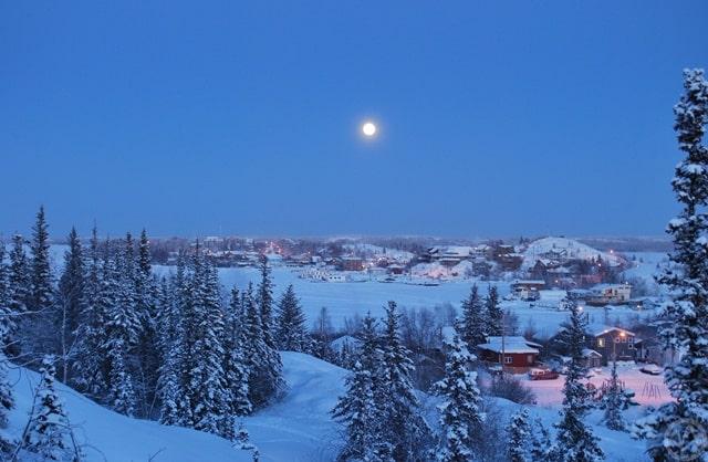 दुनिया में सबसे कम तापमान है येलोनाइफ, कनाडा में - Yellowknife, Canada Coldest Place In World In Hindi