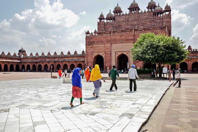 ताजमहल के पास आगरा में फतेहपुर सीकरी की यात्रा - Fatehpur Sikri Places To Visit In Agra Near Taj Mahal In Hindi