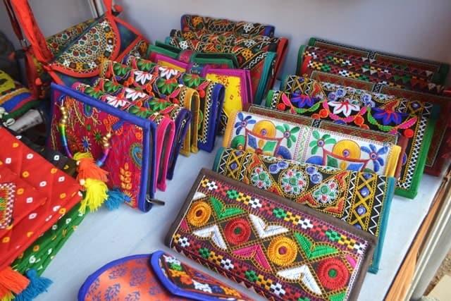 रन ऑफ कच्छ में क्या खरीद सकते हैं - What Should I Buy In Kutch In Hindi