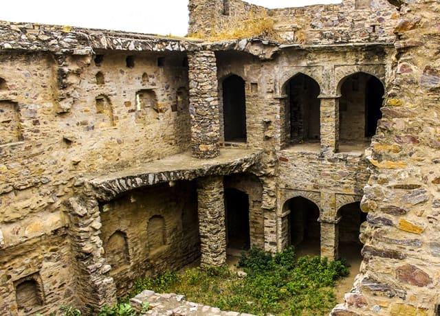 भानगढ़ किले की कहानी - Bhangarh Fort Story In Hindi
