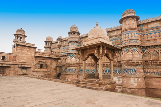 ग्वालियर का किला क्यों प्रसिद्ध है - Gwalior Fort Is Famous For In Hindi
