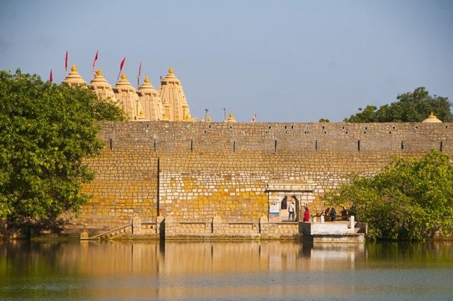 नारायण सरोवर – Narayan Sarovar