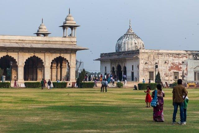 लाल किले के अंदर क्या है – What's Inside Red Fort In Hindi