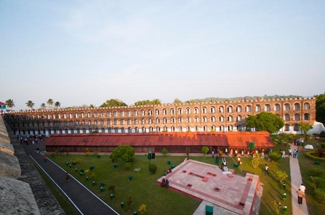 अंडमान और निकोबार द्वीप में देखने की जगह सैल्यूलर जेल - Cellular Jail In Andaman And Nicobar Island In Hindi