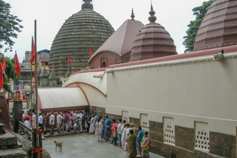 कामाख्या देवी मंदिर कैसे पहुंचें - How To Reach Kamakhya Devi Temple In Hindi