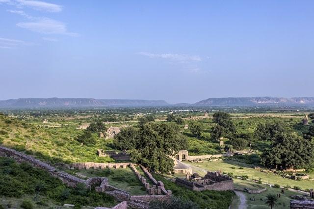 अलवर से भानगढ़ का किला कैसे पहुचे - How To Reach Bhangarh Fort From Alwar In Hindi