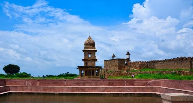 भीम सिंह राणा की छत्री - Chhatri Of Bhim Singh Rana Gwalior Fort In Hindi