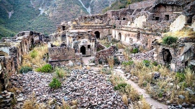 भानगढ़ क्यों प्रसिद्ध है - Why Is Bhangarh Famous In Hindi