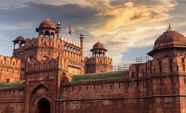 लाल किले को लाल किला क्यों कहते हैं - What Does Lal Qila Mean In Hindi
