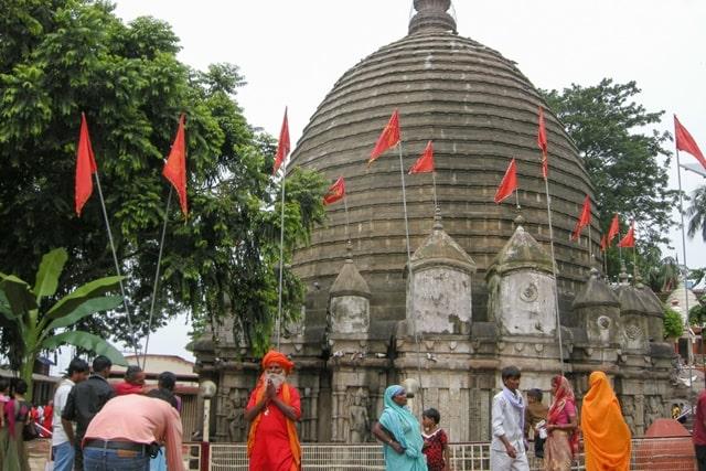 कामाख्या देवी मंदिर से जुड़ी कहानी - Kamakhya Devi Temple Story In Hindi