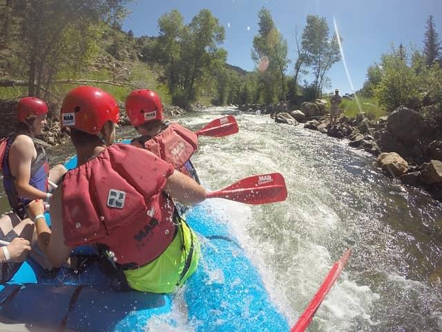 हिमाचल प्रदेश में स्पीति नदी पर वाटर राफ्टिंग - River Rafting Spiti River Himachal Pradesh In Hindi
