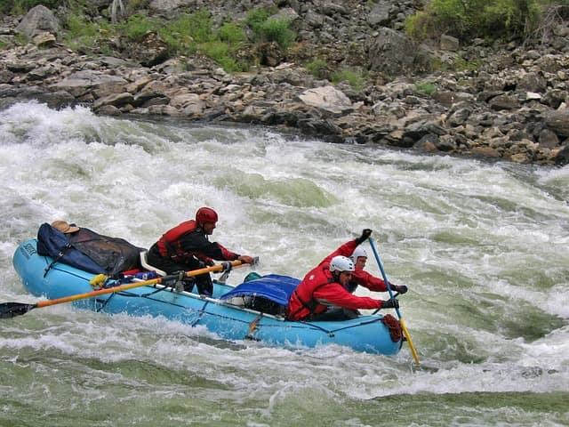 भारत में रिवर राफ्टिंग की खास जगह सिक्किम और दार्जिलिंग में तीस्ता नदी - Teesta River At Sikkim And Darjeeling River Rafting In Hindi