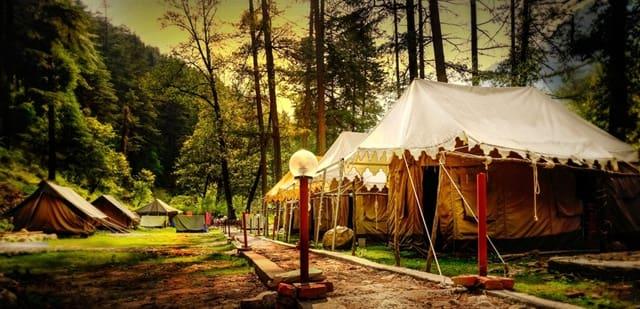 धनोल्टी की सबसे अच्छी जगह शिविर थंगधर - Dhanaulti Ki Sabse Acchi Jagha Camp Thangdhar In Hindi