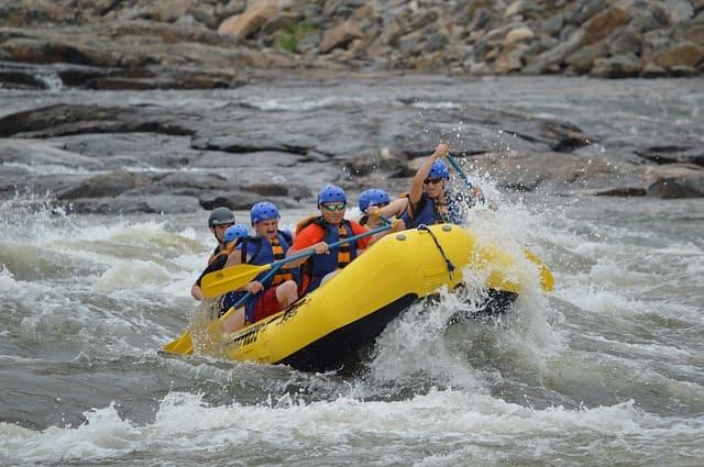 भारत में रिवर राफ्टिंग करने की प्रमुख जगह ब्रह्मपुत्र नदी - Brahmaputra River For River Rafting In Hindi