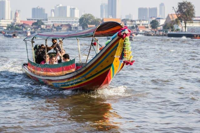 बैंकॉक का पर्यटन स्थल चाओ फ्राया नदी - Chao Phraya River In Bangkok In Hindi