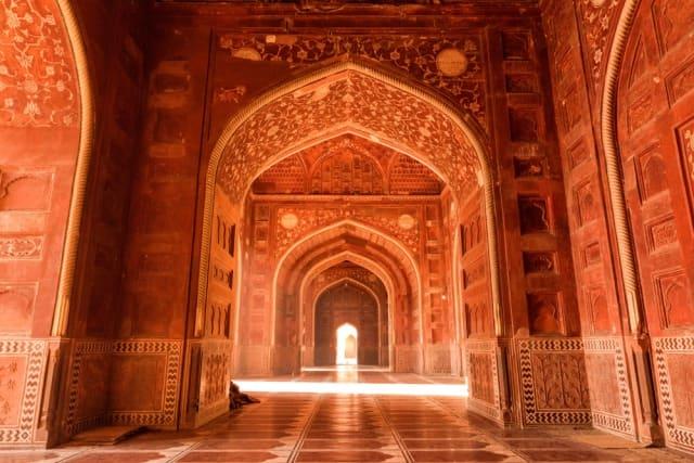 फतेहपुर सीकरी की स्थापना किसने की - Who Founded Fatehpur Sikri In Hindi