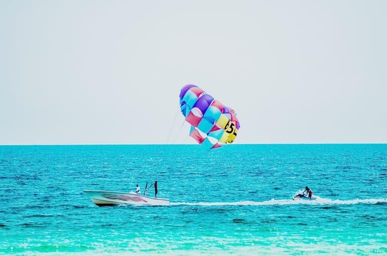गोवा के वाटर स्पोर्ट्स जो बनायेगें आपकी यात्रा को खास – Water Sports In Goa In Hindi
