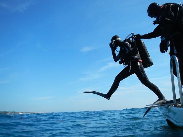स्कूबा डाइविंग क्या है - Scuba Diving Information In Hindi