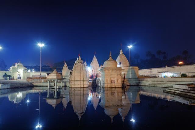 राधा कुंड मथुरा का धार्मिक स्थल - Radha Kund Mathura in Hindi