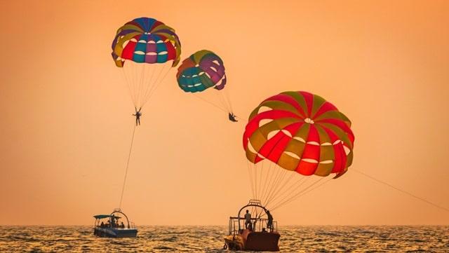 बागा बीच पर क्या क्या कर सकते हैं - Things To Do In Baga Beach In Hindi