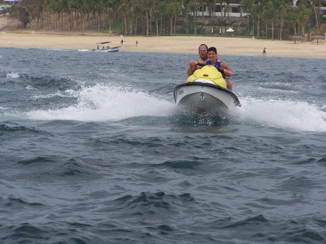 कोलवा बीच पर क्या क्या कर सकते हैं - Things To Do At Colva Beach In Hindi