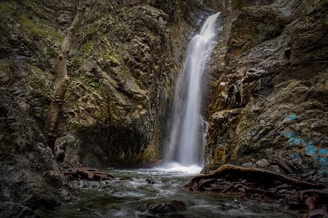 मैकलोडगंज में घूमने की अच्छी जगह भागसू फॉल्स – Mcleodganj Me Ghumne Ki Sabse Acchi Jagha Bhagsu Falls In Hindi
