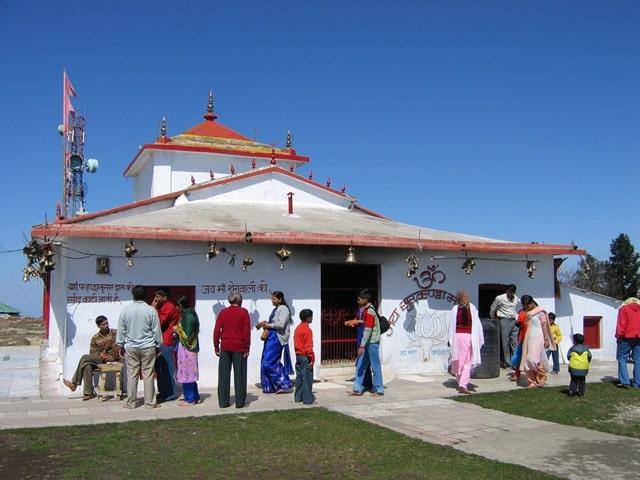 धनोल्टी का दर्शनीय स्थल सुरखंडा देवी मंदिर- Dhanaulti Ka Darshniya Sthal Surkanda Devi Temple In Hindi