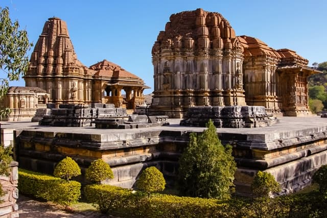 उदयपुर का प्रमुख दर्शनीय स्थल एकलिंगजी मंदिर - Udaipur Ka Pramukh Mandir Eklingji Temple In Hindi