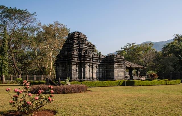 तांबडी सुरला मंदिर घूमने जाने का सबसे अच्छा समय – Best Time To Visit Tambdi Surla Temple In Hindi