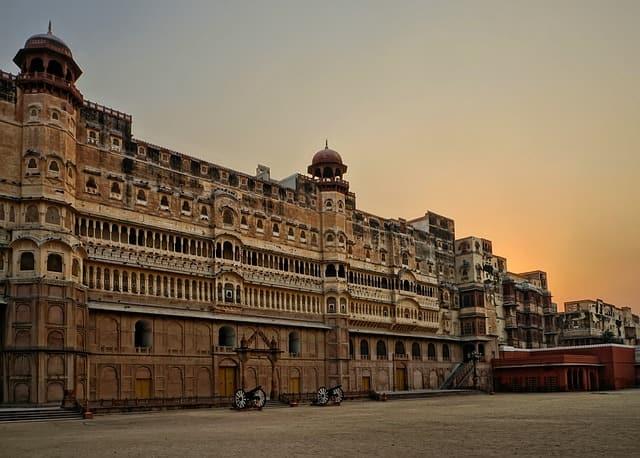 राजस्थान का प्रमुख पर्यटन स्थल बीकानेर - Rajasthan Ka Pramukh Prayatan Sthal Bikaner In Hindi