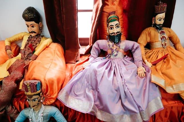 उदयपुर का प्रमुख आकर्षण शिल्प ग्राम - Udaipur Mein Dekhne Layak Shilp Gram In Hindi