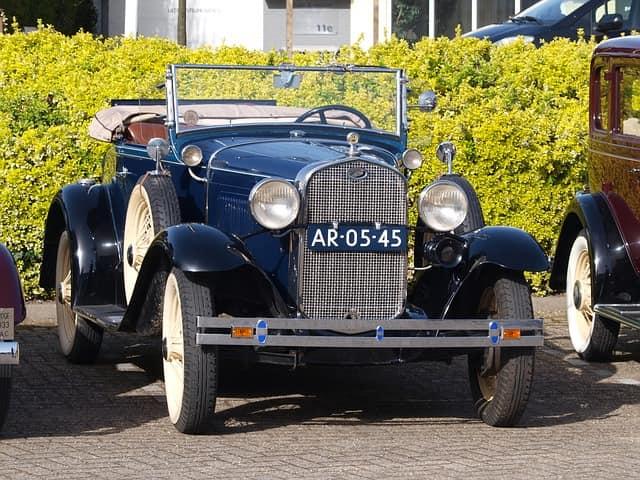 उदयपुर का प्रमुख आकर्षण विंटेज कार संग्रहालय - Udaipur Mein Dekhne Layak Vintage Car Museum In Hindi