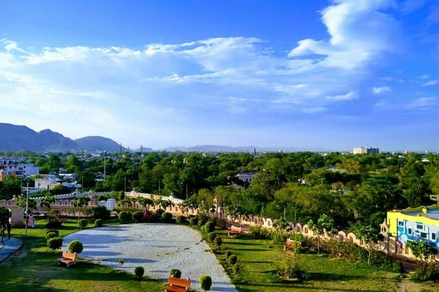 अलवर के धार्मिक स्थल मोती डूंगरी- Alwar Ke Dharmik Sthal Moti Dungri In Hindi
