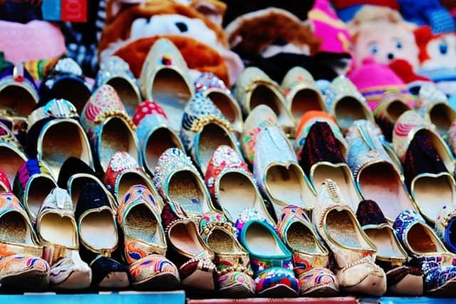उदयपुर में घूमने की अच्छी जगह बड़ा बाजार - Udaipur Mein Ghumne Wali Jagah Bada Bazar In Hindi