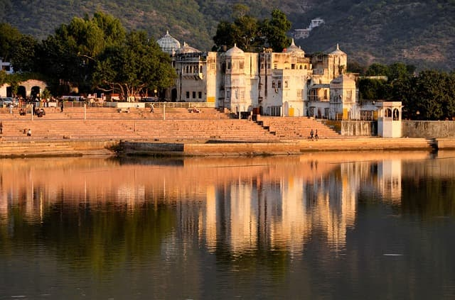 राजस्थान के धार्मिक स्थल पुष्कर - Pushkar Rajasthan Ke Dharmik Sthal In Hindi