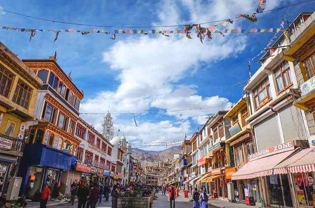 लेह लद्दाख में घूमने की जगह लेह मार्केट- Leh Ladakh Me Ghumne Ki Jagha Leh Market In Hindi