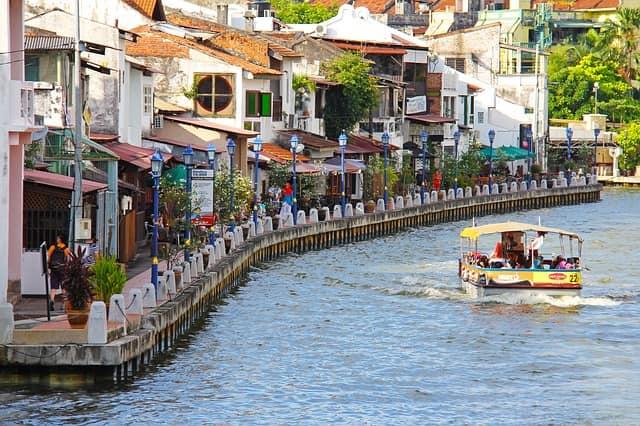 मलक्का मलेशिया का मुख्य पर्यटन स्थल - Malacca Malaysia Ka Main Paryatan Sthal In Hindi