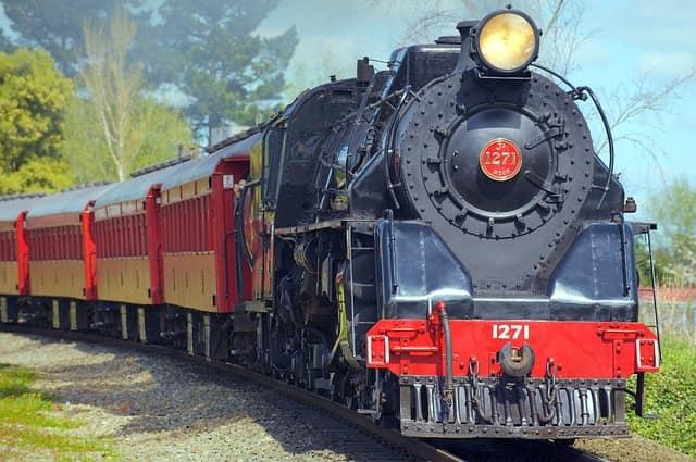 ट्रेन से जयपुर कैसे पहुंचे - How To Reach Jaipur By Train In Hindi