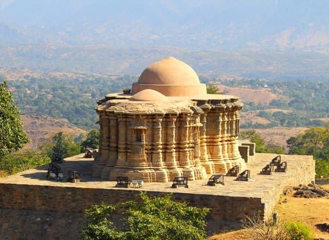 पार्श्वनाथ मंदिर- Parsvanatha Temple