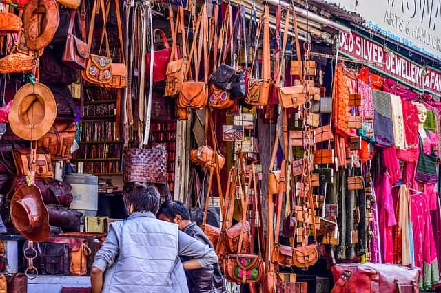 उदयपुर का प्रमुख आकर्षण हाथी पोल बाजार - Best Place To Visit In Udaipur Hathi Pol Bazar In Hindi