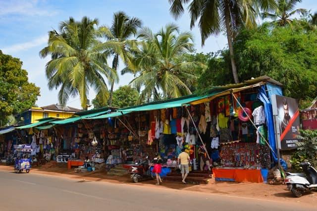 पालोलेम बीच पर बाजार - Shopping At Palolem Beach In Hindi
