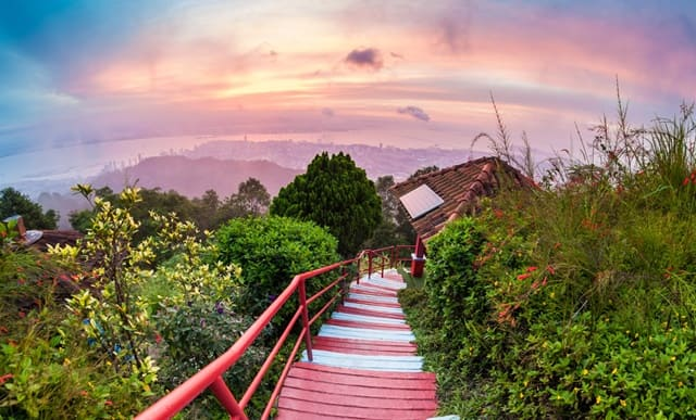 मलेशिया का मुख्य टूरिस्ट स्थल पेनांग हिल - Penang Hill Tourist Place Of Malaysia In Hindi