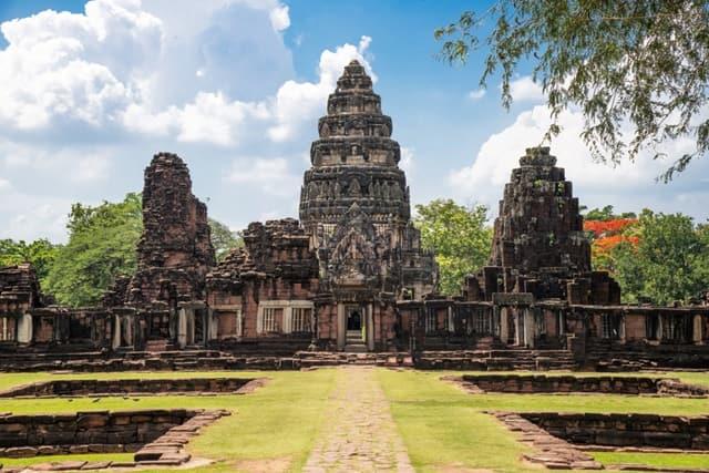 प्रसाद हिन फिमाई थाईलैंड दर्शनीय स्थल - Thailand Ka Darshaniya Sthal Prasat Hin Phimai In Hindi