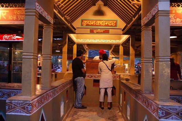 चोखी ढाणी गाँव की प्रवेश शुल्क - Entry Fees Of Chokhi Dhani Village In Hindi