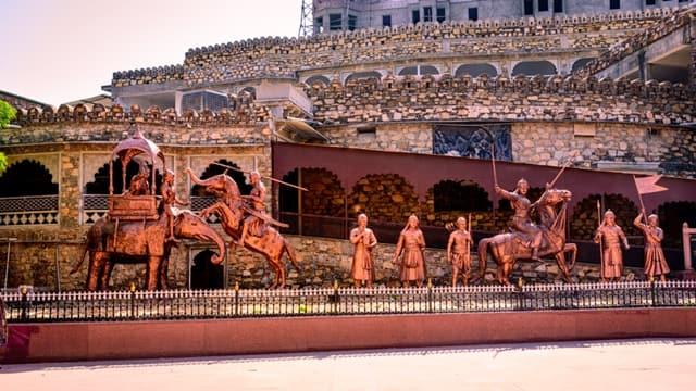 उदयपुर का प्रमुख दर्शनीय स्थल हल्दीघाटी - Udaipur Ka Pramukh Darshniya Sthal Haldighati In Hindi