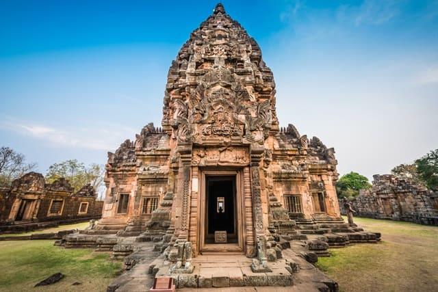 थाईलैंड के पर्यटकों के लिए फनोम रुंग – Tourist Place In Thailand Phanom Rung In Hindi