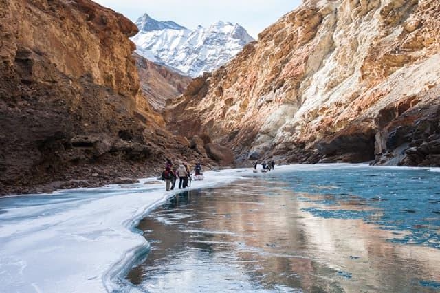 लेख लद्दाख की आकर्षक जगह चादर ट्रैक- Leh Ladakh Ki Akarshak Jagha Chadar Trek In Hindi