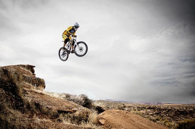 लेह लद्दाख माउंटेन बाइकिंग - Mountain Biking In Ladakh In Hindi